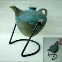 Swivel tea pot